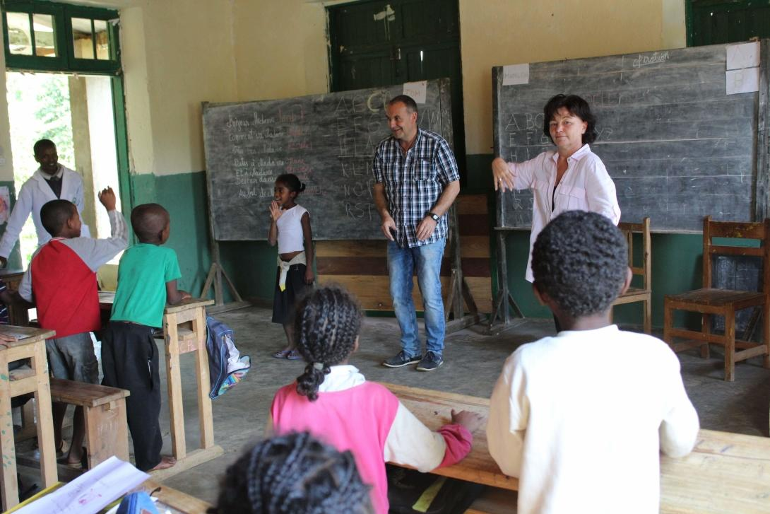 A couple of teaching Projects Abroad volunteers run an English class in a school in Madagascar.